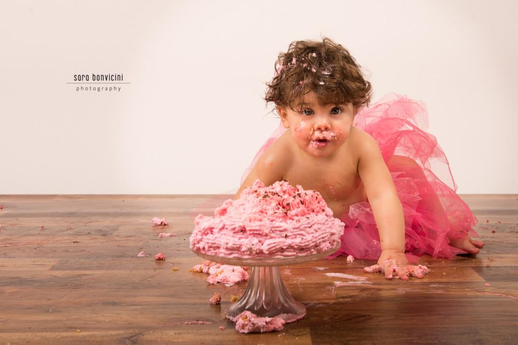 smash cake   alice 1 anno_fotografo bambini a rimini _Sara Bonvicini 17