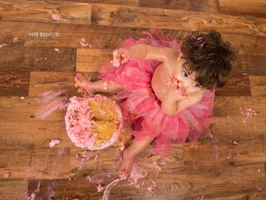 smash cake   alice 1 anno_fotografo bambini a rimini _Sara Bonvicini 19