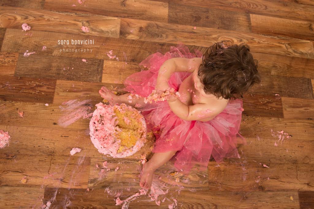 smash cake | alice 1 anno_fotografo bambini a rimini _Sara Bonvicini-3